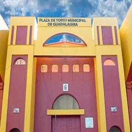 Guadalajara. Las Cruces. Plaza de toros