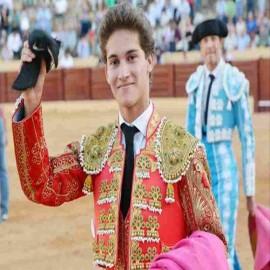 Manolo Vázquez bullfighter