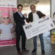 Gonzalo Caballero delivers the benefits of his enclosure to the Aladina Foundation